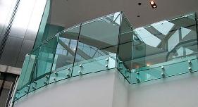 Cách chọn kính cường lực phù hợp từng công trình