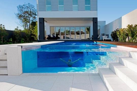 Lý do nên dùng vách kính cường lực cho bể bơi