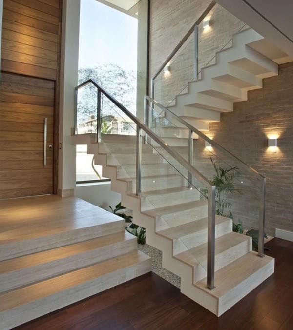Những mẫu cầu thang bằng kính cường lực giúp tăng độ thẩm mỹ cho ngôi nhà của bạn