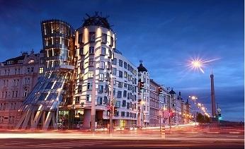 Những ngôi nhà làm bằng kính cường lực ấn tượng trên thế giới