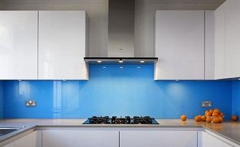 Sử dụng kính cường lực cho nhà bếp