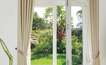 Sử dụng kính cường lực cửa sổ cho ngôi nhà đẹp hơn